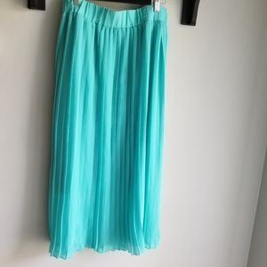 👗TURQUOISE PLEATED MIDI SKIRT